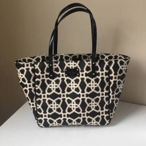 Kate Spade black & white geometric purse